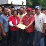 Rosa León recibió propuesta de ley