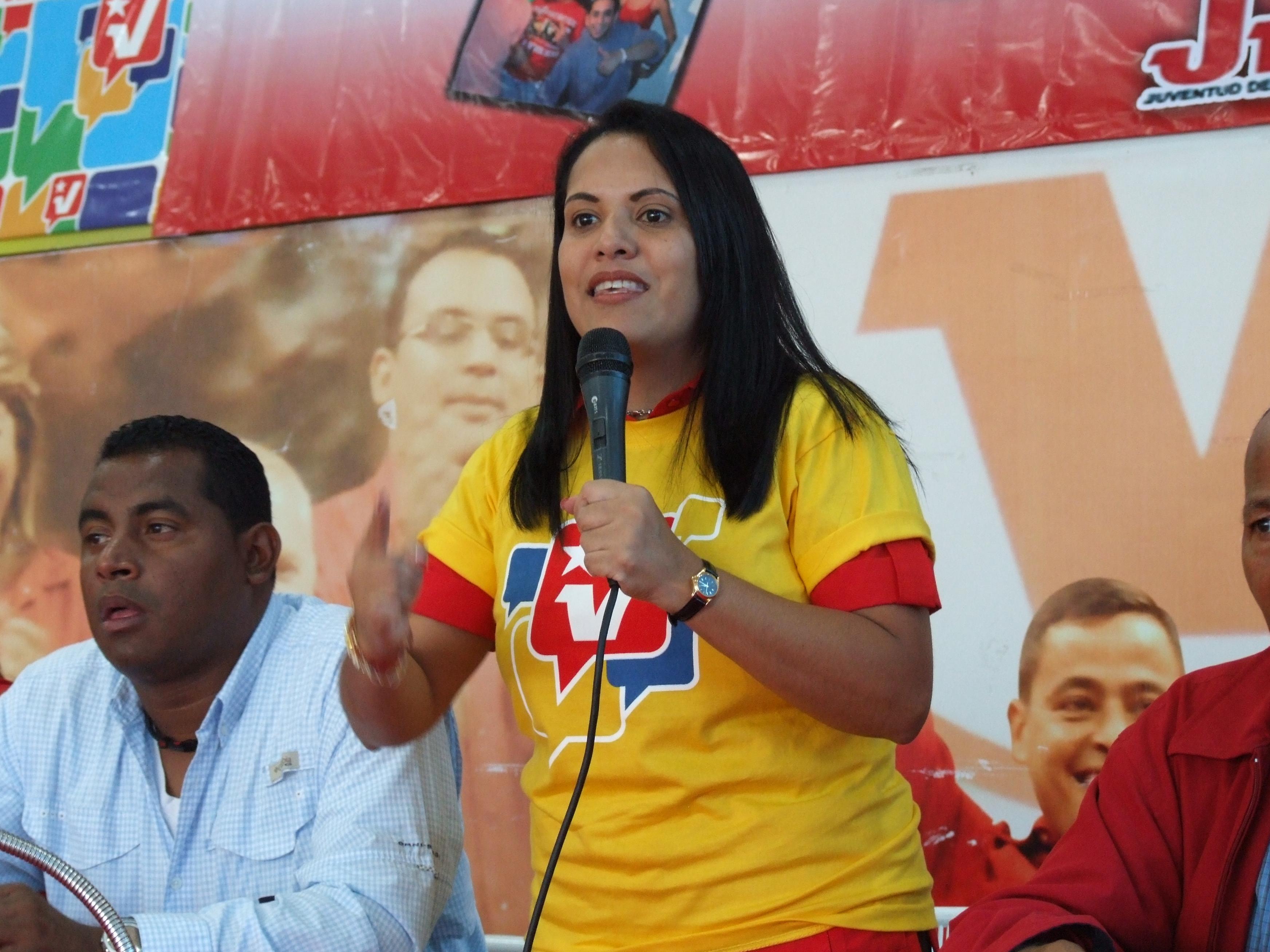 Rosa León celebra decisión de EEUU y Cuba
